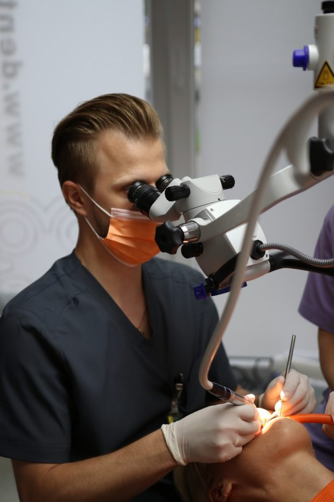 Stomatolog - dentysta zespół GoSTOM